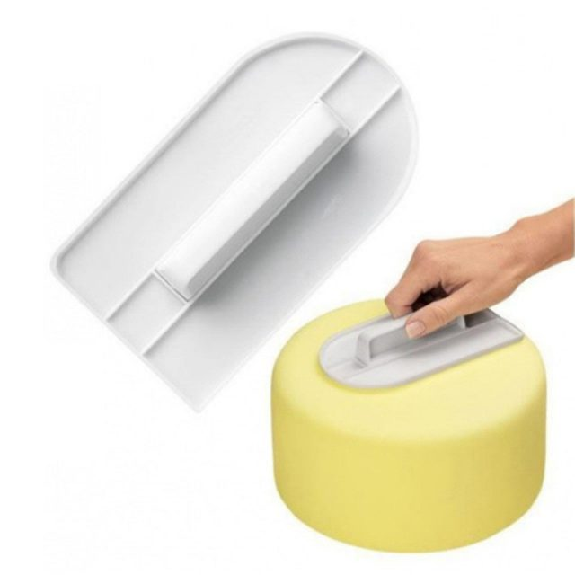 Handy Professional Eco-Friendly Plastic Cake Smoother